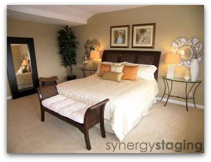 Bedroom staged by Synergy Staging in Lake Oswego