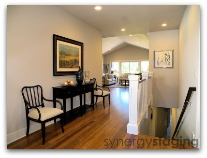 Entry staged by Synergy Staging in West Linn