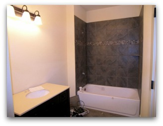 Bathroom before Home Staging