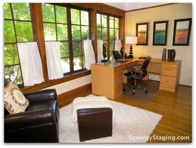 Flanders - Office staged by Synergy Staging in Portland