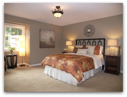 Bedroom staged by Synergy Staging in Gresham